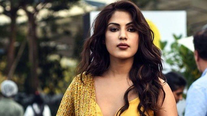 CBI ने रिया से पूछा 'क्या 8 जून को आपने सुशांत से Breakup कर लिया था?' मिला ये जवाब