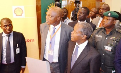 Osinbajo visits Shell exhibition stand at 2015 Economic Summit (PHOTO)