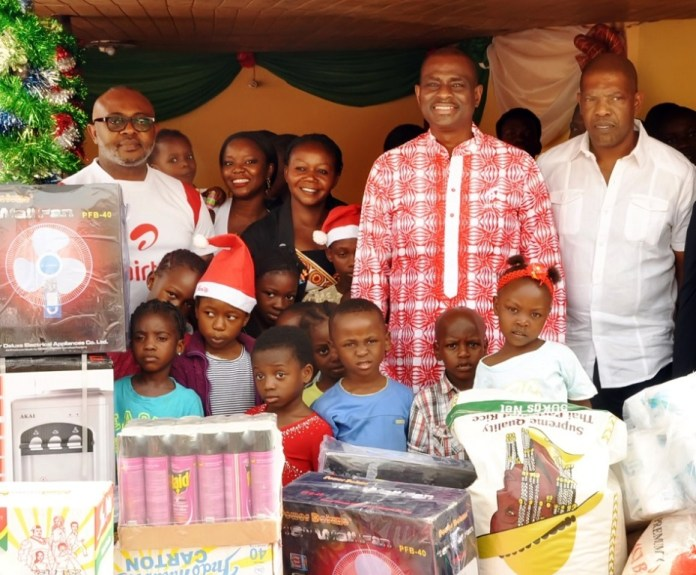 L-R: Director, Corporate Communications & CSR, Airtel, Emeka Oparah; Managing Director and Chief Executive Officer, Airtel, Segun Ogunsanya and Director, Arrow of God Orphanage, David Ogo-Tsegah during the presentation of gifts to kids of the orphanage at Ajah, Lagos on Tuesday.