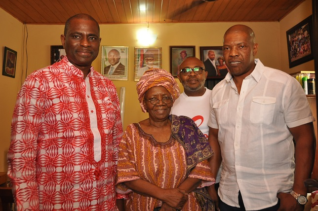 L-R: Managing Director and Chief Executive Officer, Segun Ogunsanya; Founder, Arrow of God Orphanage, Rev. Deborah Ogo; Director Corporate Communications and CSR, Emeka Oparah with Director of the orphanage, David Ogo-Tsegah during the visit of Airtel employees/donation to the home at Ajah, Lagos on Tuesday.