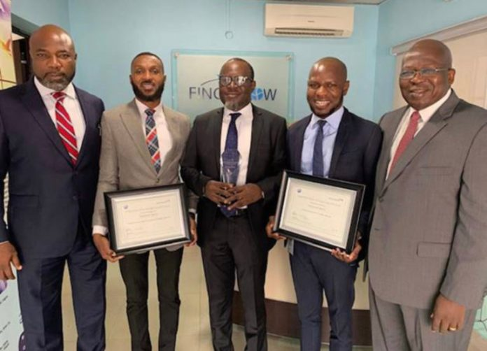 L-R: Ademola Sanya, Trade Manager, British Airways; Martins Odagwe, Head of Sales, Finchglow Travels; Bankole Bernard, Group MD, Finchglow Travels, Ezekiel Ikotun, Group COO, Finchglow Travels and Kola Olayinka Regional Commercial Manager British Airways at the award presentation