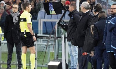 English Premier League clubs vote to allow VAR replays on big screens