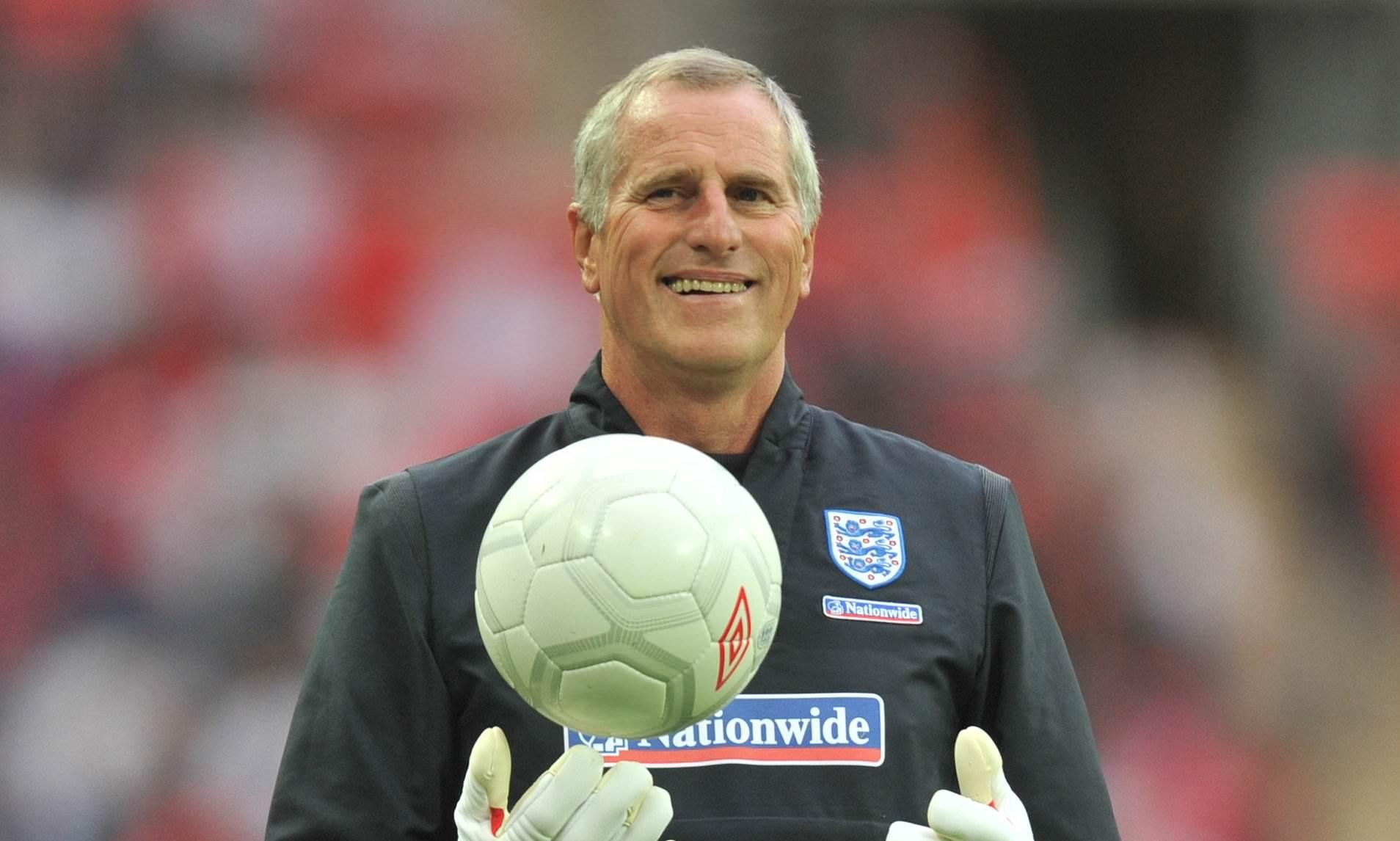 Former England goalkeeper Clemence dies at 72 — NEWSVERGE