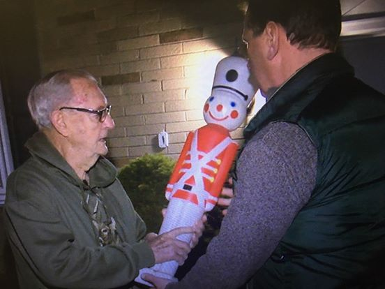 Ohio Man, 88, Uses Christmas Decoration to Stop Dog Attack