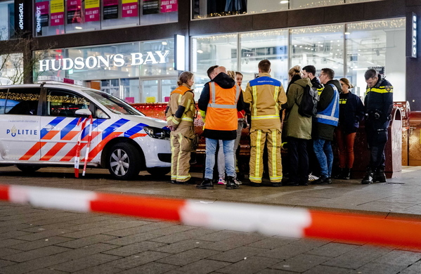 Liveblog - The Hague, Netherlands: Several injured in knife attack on busy street with police hunting suspect