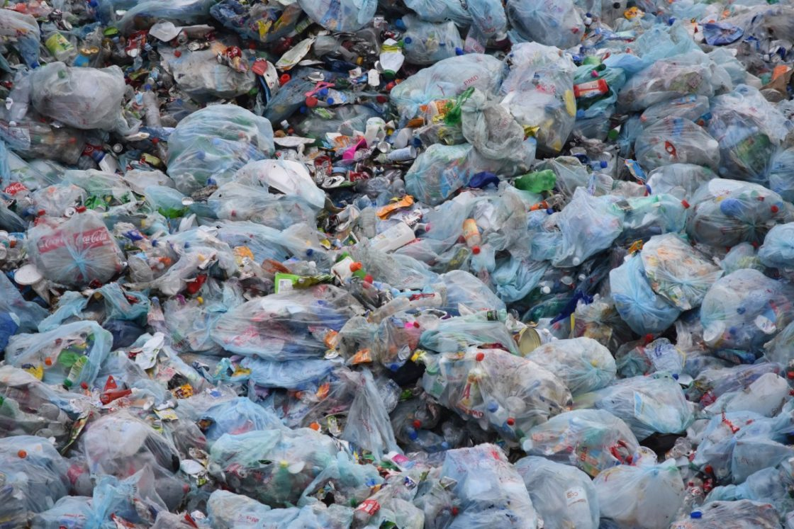 China to ban plastic bags in major cities by end of 2020