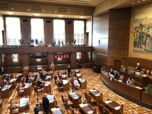 Republican toddlers in the Oregon Senate flee the scene to stop cap-and-trade bill
