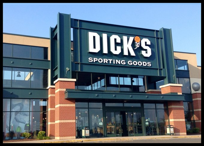 Dick's Sporting Goods to remove guns from another 440 stores