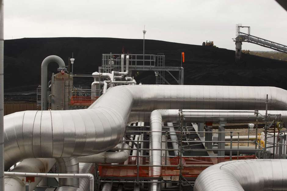 Oil Firms Stole 1 Billion Skirting Carbon Rules