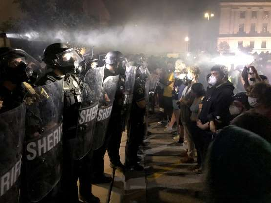 Kenosha shooting: City turns to cleanup, prayers; Jacob Blake's attorneys urge authorities to protect protesters from 'vigilantes'