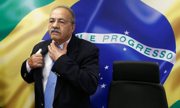 Police raid Bolsonaro ally's house, find dirty money hidden between his….between his….buttocks.
