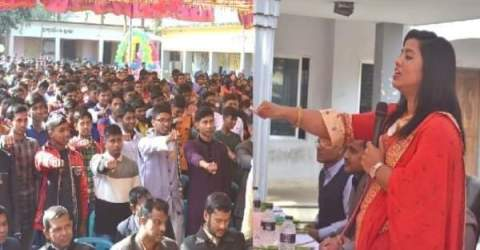 ছাত্রছাত্রীদের স্মার্টফোন ব্যবহার না করার শপথ করালেন ইউএনও নাজমুন নাহার