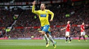 Eurosport - Newcastle United's Yohan Cabaye celebrates scoring his teams opening goal (PA)
