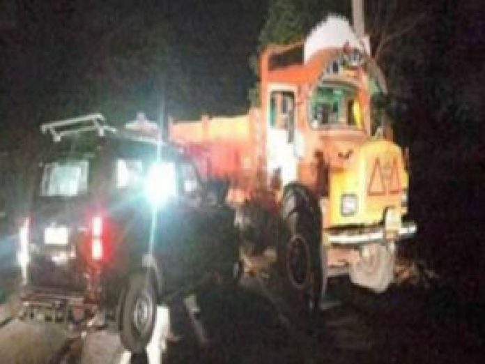 janasena chief pawan kalyan escaped in road accident