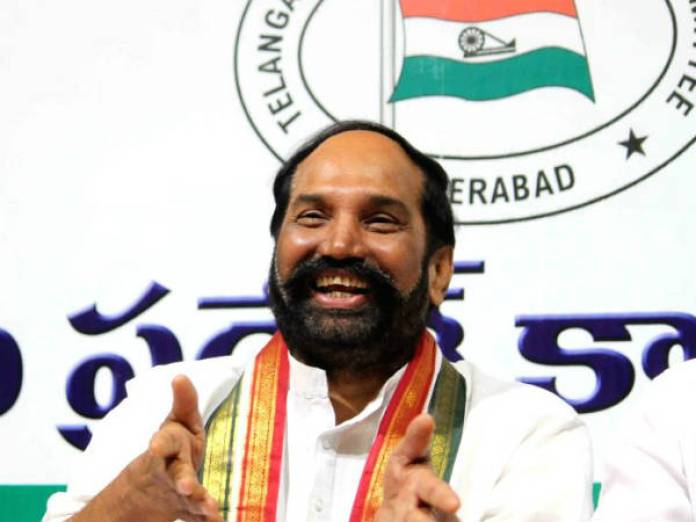 utham kumar reddy says trs important leaders join to congress in two days