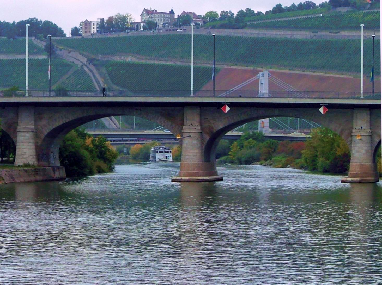 A newer arch bridge at Wurzburg