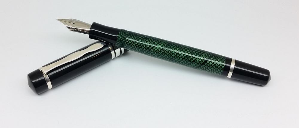knickerbocker green lizard black acrylic and ebonite slim