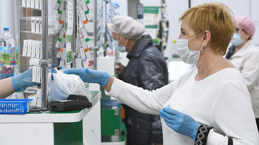 В Минпромторге пообещали постепенное снижение стоимости защитных масок