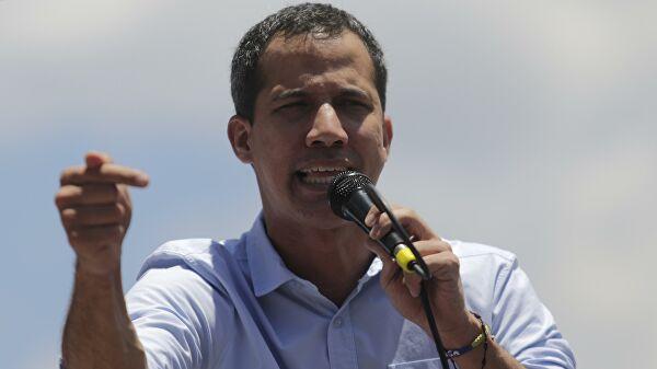 Сторонники Гуаидо заявили о его переизбрании