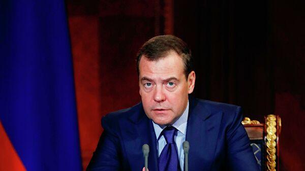 Медведев поменял директора Департамента гособоронзаказа правительства