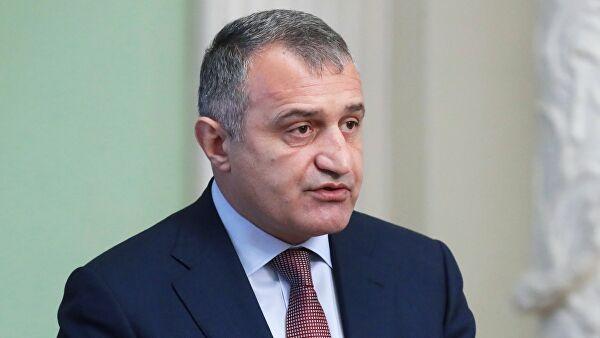 Глава Южной Осетии обсудил с Козаком вопросы инвестпрограммы