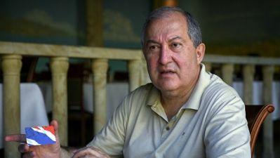 Президент Армении разрешил полиции прослушивать телефонные разговоры