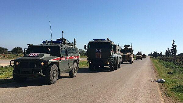 Военные из РФ и Турции совместно проверили посты вдоль трассы в Сирии