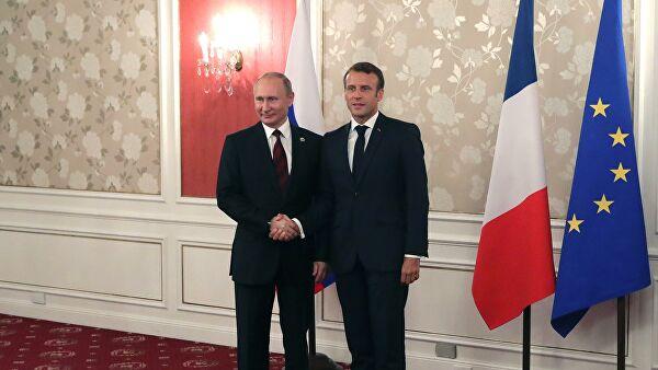 Путин и Макрон поговорили по телефону
