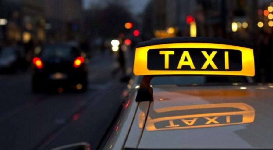 Московский таксист избил пассажирку из-за проблем с цифровым пропуском