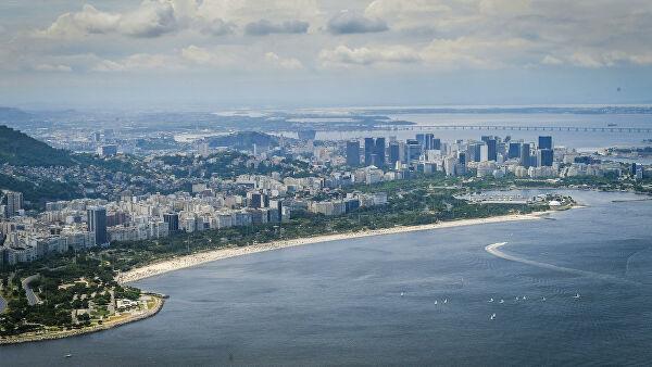 В Бразилии за сутки более 1,3 тысячи человек умерли от COVID-19