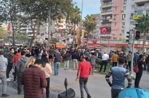 Число погибших в результате землетрясения в Измире увеличилось до 28