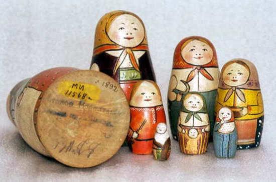 Когда был основан первый в мире государственный Музей игрушки