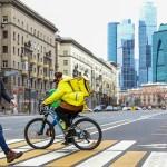 Московские власти заявили, что ношение масок и удалёнка помогут избежать строгих ограничений