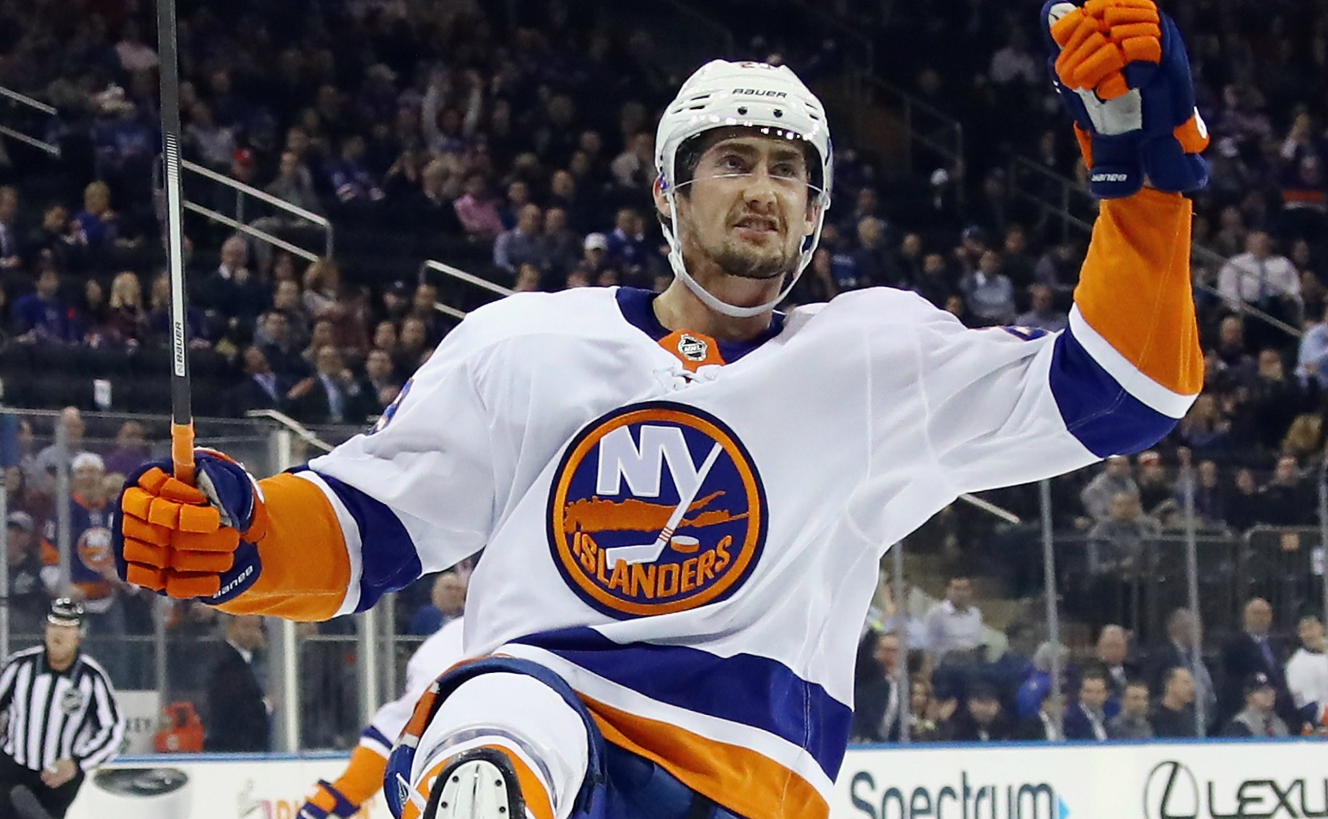 Islanders Match Franchise's Longest Point Streak, Beat Penguins 5-4 In Overtime