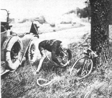 Henri Pelissier, the 1923 winner, fixing a tire.