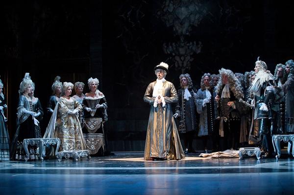 "Atys as Cybèle's ""Grand Sacrificateur"". Photo Stephanie Berger."