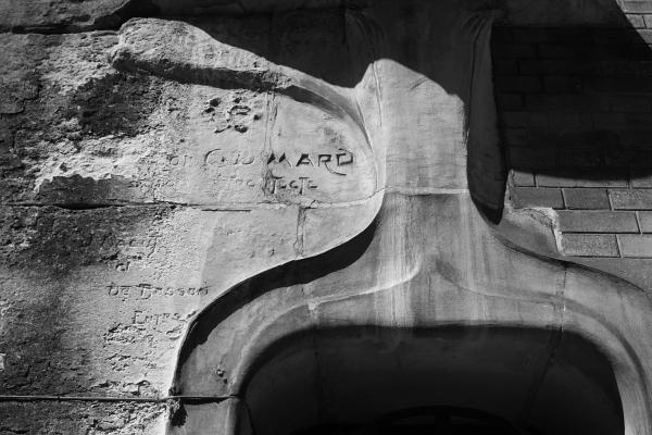 Hôtel Guimard (1912). Photo © 2012 Alan Miller.