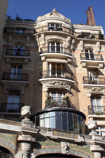 Immeuble, 25 rue de la Pompe (C. Lecourtois, 1910). Photo © 2012 Alan Miller.