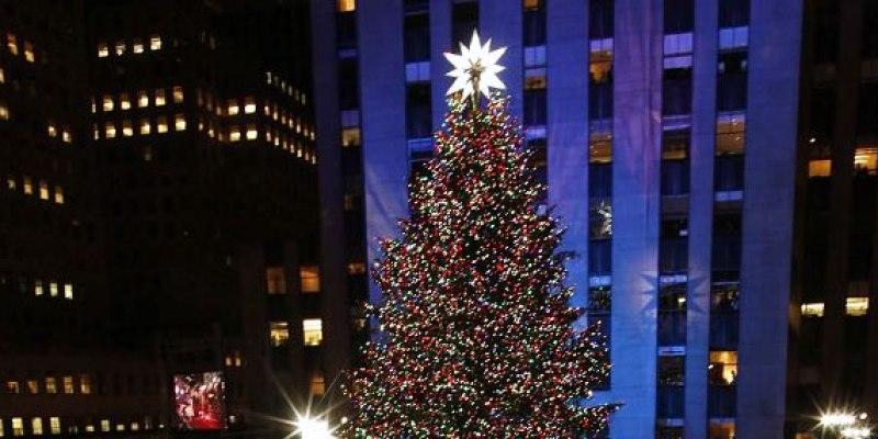 f4096b244351 V New Yorku sa rozžiaril vianočný stromček na newyorkcity.sk