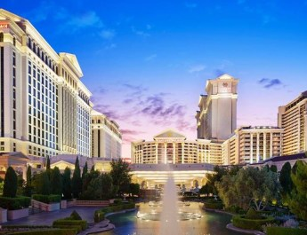 MGM Resorts International REIT lodges offer to buy rival