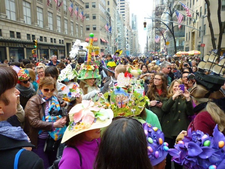 The scene. Crowds bottle-necked around especially decorative hats. The whole parade was not this jammed.