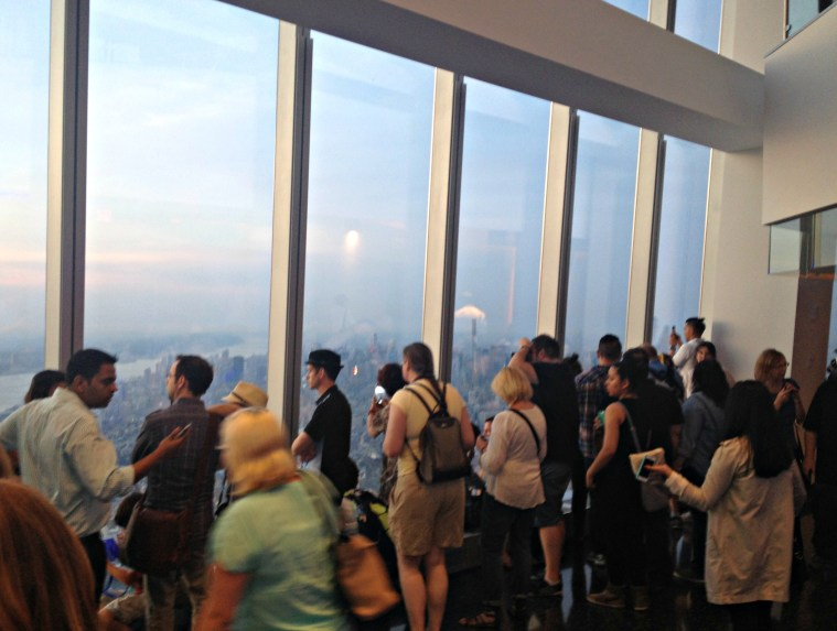 one-world-observatory-crowd