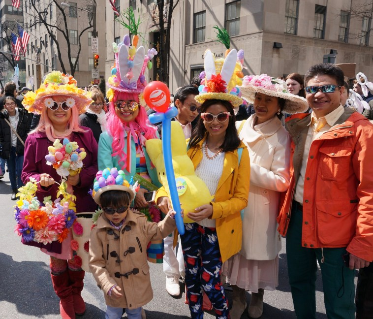 easter-bonnet-parade-nyc-family