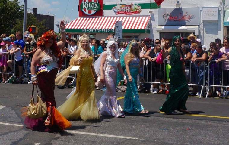 coney island mermaid parade 4