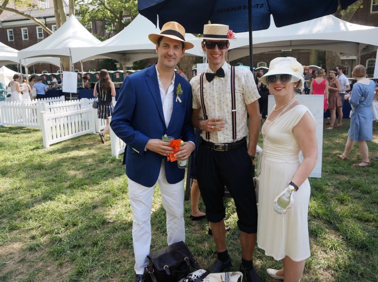 jazz age lawn party goers