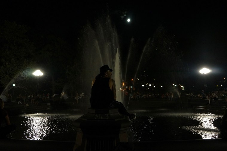 washington square park moon