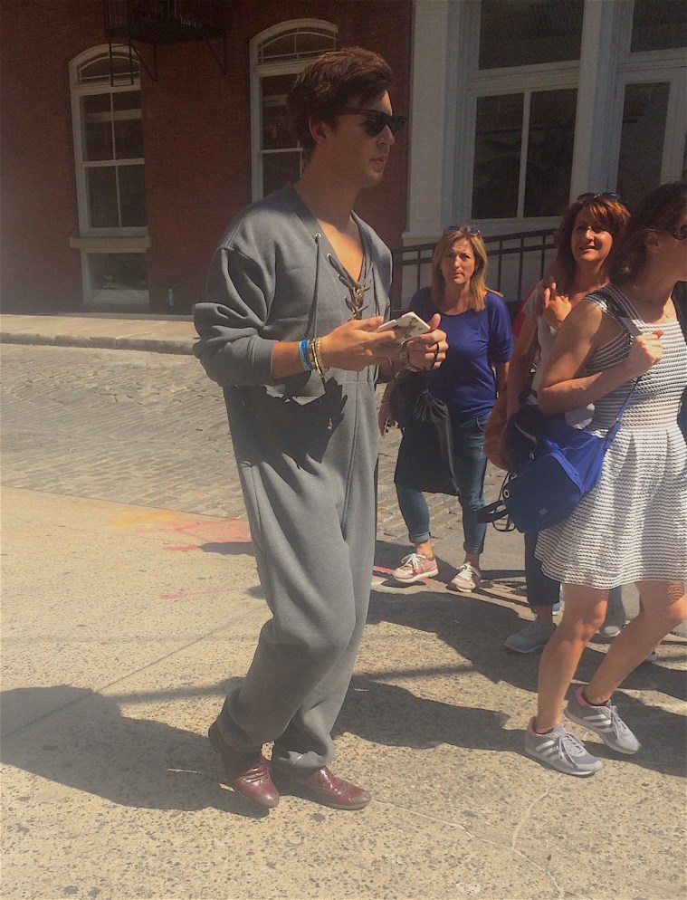 nyc-street-fashion-onesie