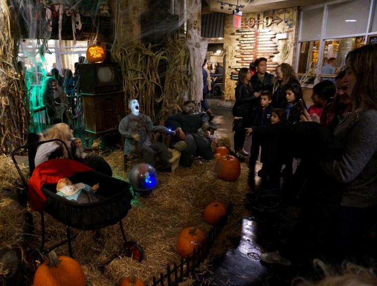 halloween-nyc-chelsea-market