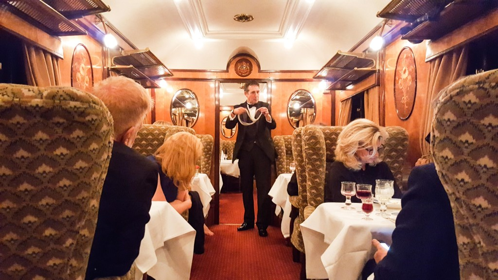 Bellmond_British_Pullman_Review