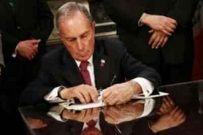 Mayor Bloomberg signing parking sign bill